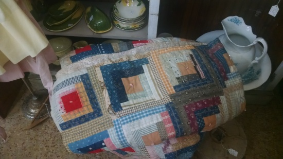 Antiquing 2014 log cabin quilt