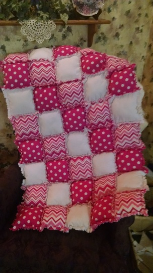 Hot pink chevron & polka dot crib sz pq